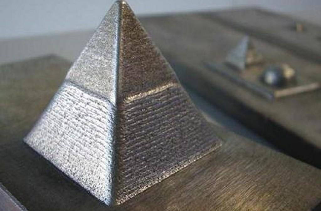Máy in 3d có thể in được kim loại.